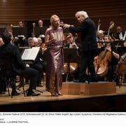 Sir Simon Rattle dirigiert das London Symphony Orchestra mit Magdalena Kozena als Solistin in Shéhérazade. Bild: Priska Ketterer / Lucerne Festival