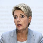 Justizministerin Karin Keller-Sutter plant, Ausschaffungen konsequenter zu vollziehen. Bild: Anthony Anex/Keystone (Bern, 28. August 2019)
