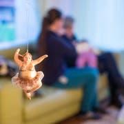 Weihnachten im Schlupfhuus: Wenn es zu Hause nicht mehr geht, ist es für Kinder und Jugendliche ein Unterschlupf. (Bild: Hanspeter Schiess, 25.12.2018)