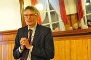 CSP-Nationalrat Karl Vogler erklärt die Zersiedelungsinitiative. (Bild: Philipp Unteerschütz, Sarnen, 9. Januar 2019)