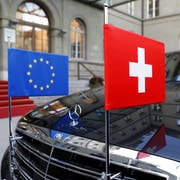 Die Schweiz und die EU für einmal harmonisch nebeneinander.