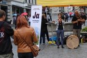 Sandra Weiss und Markus Maggiori am Samstag in der Marktgasse. (Bild: Reto Voneschen - 22. Juni 2019)