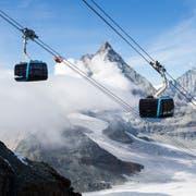 Nach über zweijähriger Bauzeit hat Zermatt am Samstag die höchstgelegene Dreiseilumlaufbahn der Welt eingeweiht. (Bild: Dominic Steinmann / Keystone (Zermatt, 29. September 2018))