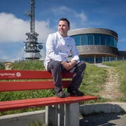 Er arbeitet und lebt auf 1794 Metern über Meer: Jorge Fonseca auf dem Hohen Kasten. (Bild: Hanspeter Schiess)