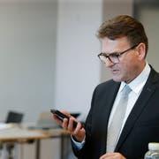 Beat Villiger am Zuger Wahlsonntag. (Bild: Stefan Kaiser (Zug, 7.Oktober 2018))