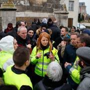 Ingrid Levavasseur, eine der Hauptprotagonistinnen der Gelbwesten, will die Protestbewegung ins EU-Parlament führen. (Bild, François Mori/AP, Bourgtheroulde, 15. Januar 2019)