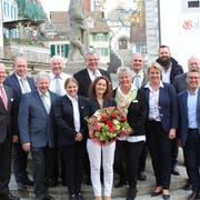 Der Vorstand von Gastro Thurgau mit Daniel Borner, Direktor von Gastro Suisse (ganz links), und Regierungspräsidentin Cornelia Komposch (vordere Reihe, Zweite von rechts). (Bild: Manuela Olgiati)