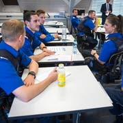 Aspiranten besprechen an der Polizeischule Ostschweiz in Amriswil eine Übungsaufgabe. (Bild: Reto Martin, 6. September 2018)