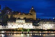 Das Hauptgebäude der Suva in Luzern (über dem Hotel Schweizerhof). (Bild: Eveline Beerkircher)