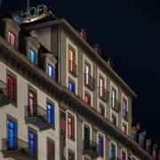 Alles so schön bunt hier: Aussenansicht des Hotels Schweizerhof. (Bild: Pius Amrein, Luzern 30. August 2016)