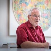 Schulleiter Walter Strasser in seinem Büro an der Sekundarschule Müllheim. (Bild: Andrea Stalder)