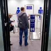 Eine saubere Toilette am Bahnhof hat ihren Preis: Blick in eine WC-Anlage der SBB. (Bild: Alex Spichale)