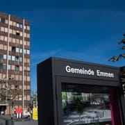 Die Gemeindeverwaltung von Emmen. (Bild: Boris Bürgisser, 27. Februar 2019)