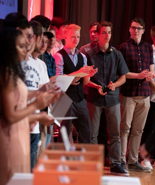 Impressionen von der Lehrabschlussfeier in der Aula Cher in Sarnen. (Bild: Roger Zbinden, (Sarnen, 7. Juli 2018))