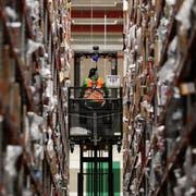 Blick in Amazons Logistik-Zentrum im deutschen Werne. (Bild: Friedemann Vogel/EPA (22. November 2018))
