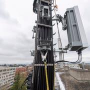 Eine 5G-Antenne, hier in der Westschweiz. (Bild: Martial Trezzini / Keystone)