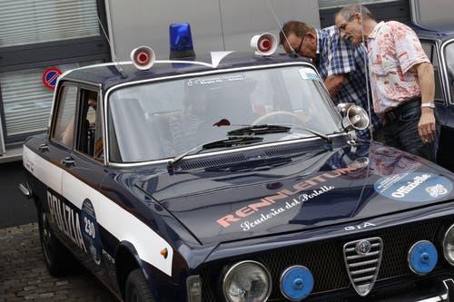 Auch ein altes Polizei-Fahrzeug gab es am Alfa-Romeo-Treffen in Altdorf zu bestaunen. (Bild: Florian Arnold, 24. Juni 2018)