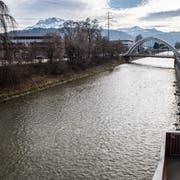 Die Kleine Emme bei Emmenbrücke. (Bild: Boris Bürgisser (22. Februar 2017)