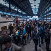 25'000 Personen fahren täglich mit dem Schnellzug nach Zürich. (Bild: Boris Bürgisser (Luzern, 27. März 2017))