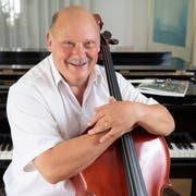 Die Leidenschaft für die Musik ist Martin Bauer anzusehen. Dabei ist das Cello seit dem Tag, als er es zum ersten Mal in einem Musikgeschäft gesehen hat, sein Lieblingsinstrument. (Bild: Ralph Ribi)