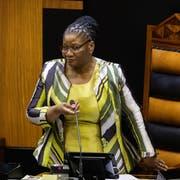 Thandi Modise leitet als neue Vorsitzende die erste Parlamentssitzung nach den nationalen Wahlen. (Bild: Nic Bothma/EPA / Kapstadt, 22. Mai 2019)