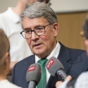 Im Fokus der Medien: Post-Verwaltungsratspräsident Urs Schwaller. (Bild: Peter Schneider/Keystone, 11. Juni 2018)