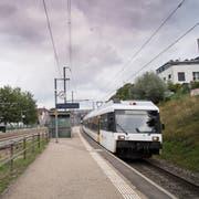 Die S-Bahn-Verbindungen im Westen der Stadt St.Gallen - wie hier am Bahnhof Bruggen - sind mangelhaft. Die Rufe nach Verbesserungen und einem Viertelstundentakt werden immer lauter. (Bild: Ralph Ribi/3. September 2018)
