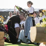 Lang lebe der König: Christian Stucki wird gekrönt. (Bild: Alexandra Wey/Keystone, Zug, 25. August 2019)