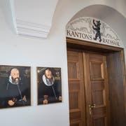 Eine Überarbeitung des Finanzausgleichs sei der Totalrevision der Kantonsverfassung vorzuziehen, verlangte die FDP-Fraktion im Kantonsrat. (Bild: Ralph Ribi)