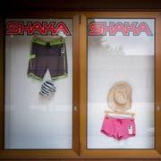 Shaka hat Skate- und Snowboards sowie Surfbretter plus entsprechende Kleidung und Zubehör angeboten. (Bild: Benjamin Manser)