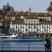 Hotel Schweizerhof, SUVA, Touristen