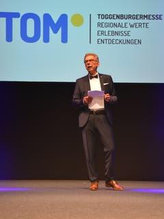 OK-Präsident Peter Kroll richtete am Donnerstagabend erste Worte an die Gäste. (Bild: Ruben Schönenberger, 9. Mai 2019)