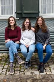 Nahmen am Austauschprojekt der Kanti Trogen teil: Rebecca Dörig (17) aus Herisau, Lea Sager (17) aus Bühler und Manuela Reifler (17) aus Hundwil. (Bild: Claudio Weder)