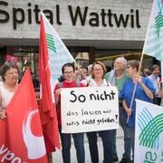 Bereits am Samstag wurde gegen die Pläne des Kantons St.Gallen demonstriert. (Bild: Ralph Ribi)