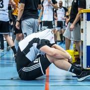 Grenzenlose Enttäuschung bei den Gossauer Handballern nach der Partie. Der direkte Wiederaufstieg wird angepeilt. (Bild: Michel Canonica)