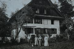 Altes Bauernhaus Familie Troxler. (Bild: Archiv Jost Troxler/ Gemeinde Mauensee)