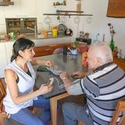 Durch die Alterung der Gesellschaft steigen auch die Kosten der Spitex-Pflege. (Bild: Urs Bucher (16.7.2019))