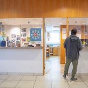 Auch die Nothilfe, das heisst die Sicherstellung der Grundbedürfnisse für Personen ohne Aufenthaltserlaubnis, wurde neu organisiert. (Bild: Urs Bucher)