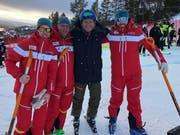Kalle Palander (mit Helm), der ehemalige finnische Weltcupfahrer, zusammen mit Pascal Schönenberger, Felix Degen und Björn Schönenberger (von links)