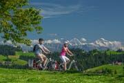 Mit sportlichen Trails, einer abwechslungsreichen Napfumrundung und vier Tagesetappen bietet die Region ein vielfältiges E-Bike-Abenteuer. (Bild: PD)