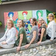 Organisieren gemeinsam den Frauenstreik: Edith Wohlfender, Eliane Wenger, Annina Villiger, Antonella Bizzini und Heidi Heine. (Bild: Andrea Stalder)