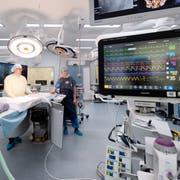 Blick in den neuen Hybrid-Operationssaal im Luzerner Kantonsspital, der dieses Jahr präsentiert wurde. (Bild: Eveline Beerkircher, 1. März 2018)