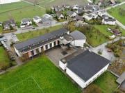 Die Sekundarschule Wigoltingen von oben. Rund 110 Jugendliche gehen hier zur Schule. (Bild: Reto Martin, 04. April 2019)