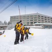 Keine Vermisstmeldungen: Dennoch sucht die Alpine Rettung nach Verschütteten. (Bild: Urs Bucher)