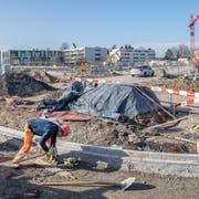Die Baustelle auf der Romanshornerstrasse wird bald auf die südliche Seite verlegt. (Bild: Urs Bucher, 21. Februar 2019)