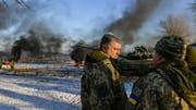 Der ukrainische Präsident Petro Poroschenko bei einem Besuch des militärischen Trainingscenters Desna in der Nähe der Grosstadt Tschernihiw. (Bild: Mykola Lazarenko/EPA (28 November 2018))