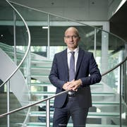 Emmi-CEO Urs Riedener am Hauptsitz in Luzern. (Bild: Pius Amrein, 23. August 2017)