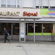Das Café Restaurant Signal ist geschlossen, die Räume sind zur Miete ausgeschrieben. (Bild: Rahel Jenny Egger)