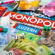 Bis jetzt würfelt der Kanton Luzern bei den Firmensteuern mit einer glatten 6 zuvorderst mit, künftig nur noch im Mittelfeld. (Symbolbild: Philipp Schmidli)