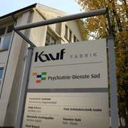 Ab Mitte 2021 wird das Psychiatrie-Zentrum nicht mehr im Kauf-Areal in Trübbach (Bild)stationiert sein, sondern in einem Neubau nahe beim Bahnhof in Sargans. (Bild: Robert Kucera)